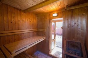 Saskia op Ameland-Sauna